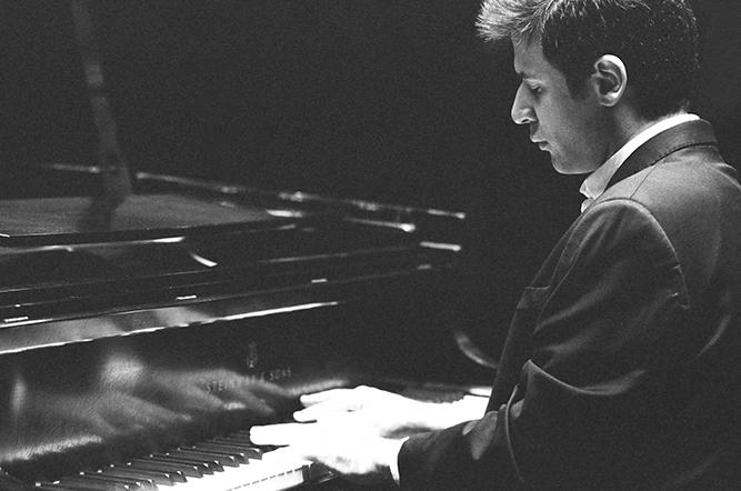 Le charme du piano seul ou deux hebdoscope - Acheter seul ou a deux ...